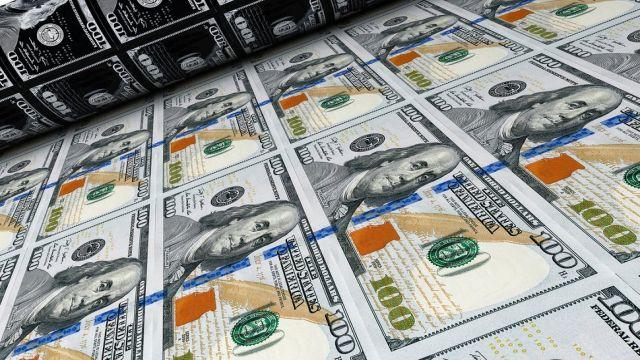Yıl sonu için dolar/TL tahmini 8,60'tan 9,00'a yükseldi