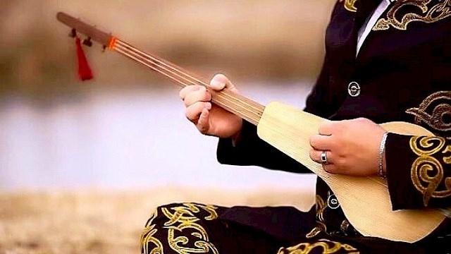 Türklerin en eski millî çalgısı #Kopuz